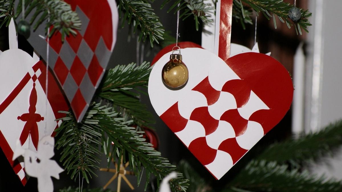 Danish Christmas ornament julehjerter