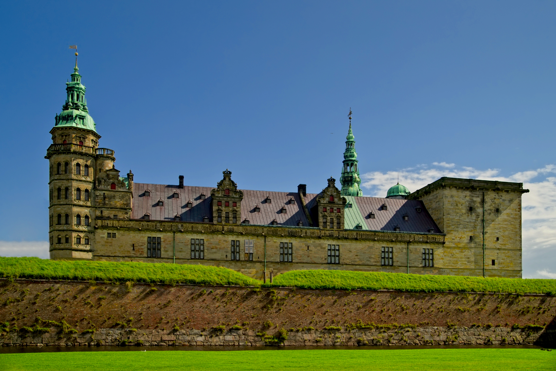 Kronborg Castle: Day trips from Copenhagen